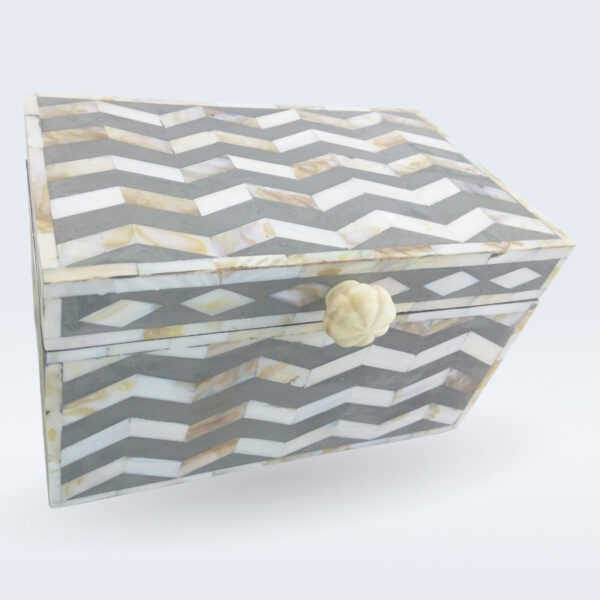 mop inlay grey box